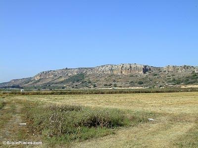 Mount-Carmel-southern-end-tb052500101-bibleplaces
